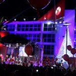 Το Περιστέρι άναψε το χριστουγεννιάτικο δέντρο (video)