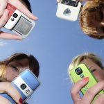 ΗΠΑ: Τα smartphones και τα social media κάνουν τους έφηβους δυστυχισμένους